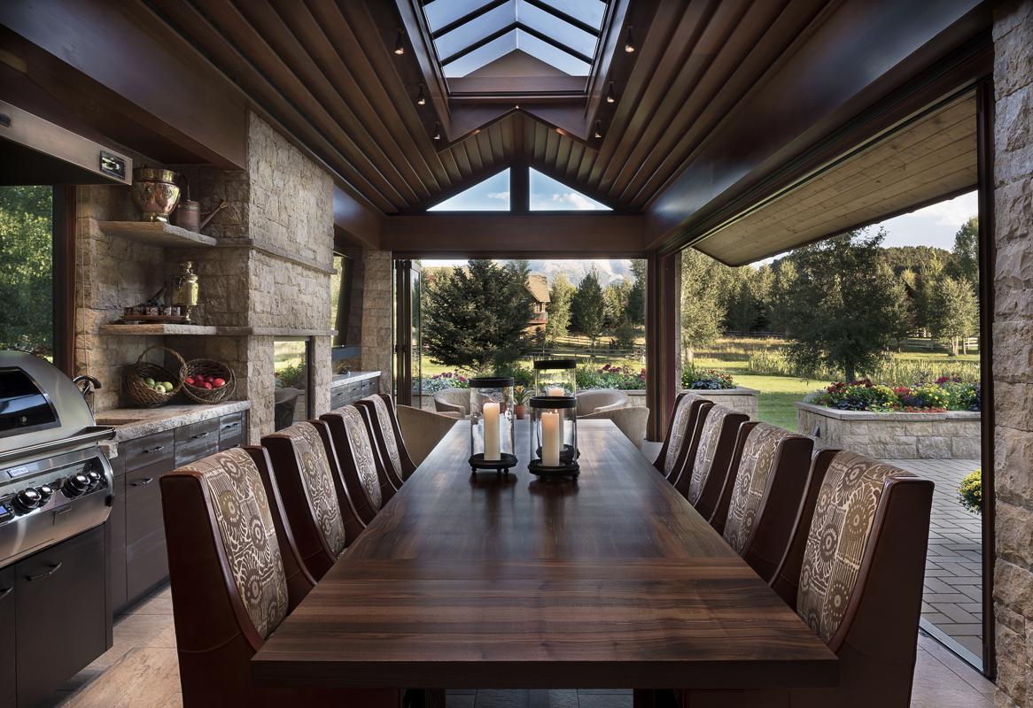 Indoor-Outdoor Dining 2.jpg