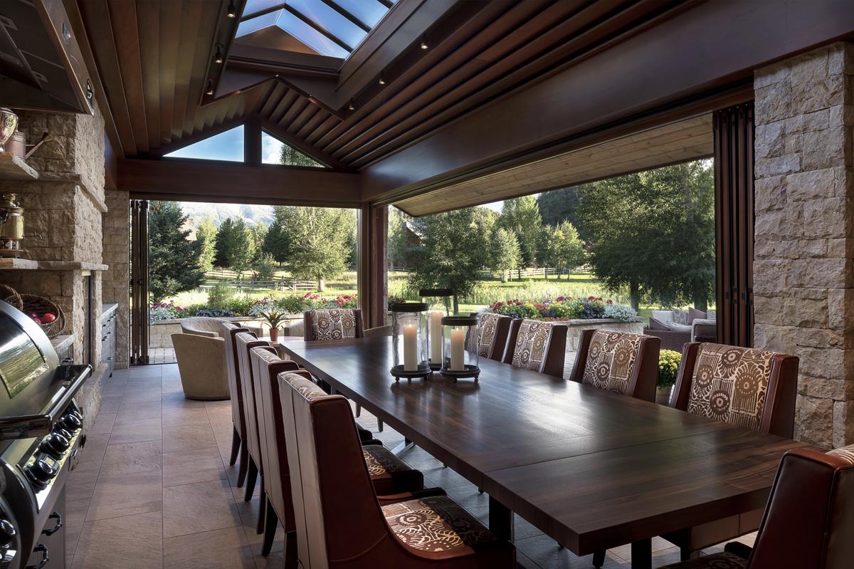 Indoor-Outdoor Dining.jpg