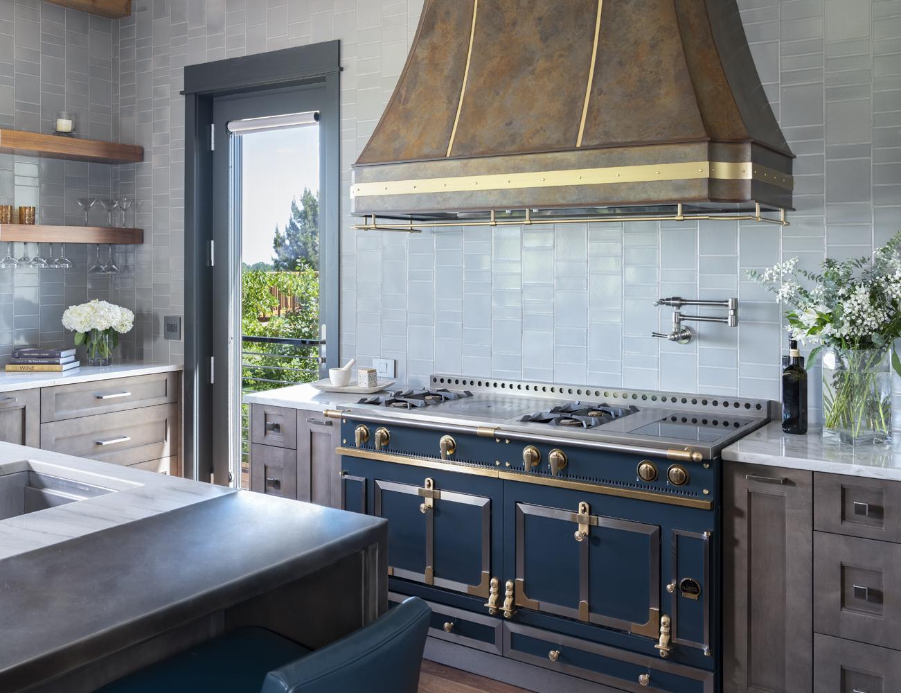 10-Kitchen Range Detail2.jpg