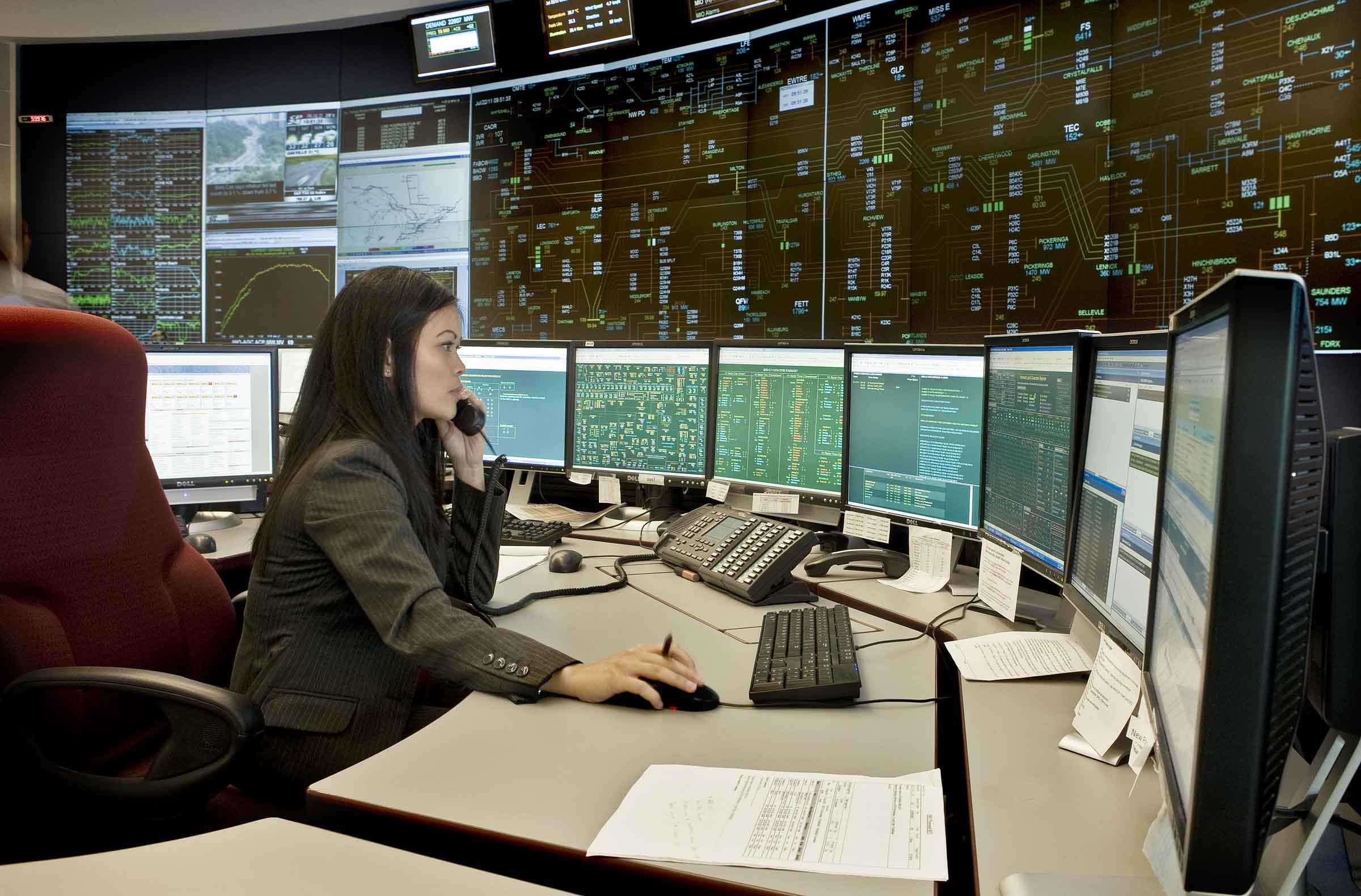 IESO controlroom2_full.jpg