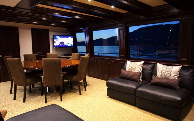 Y51303 main-lounge 2.jpg