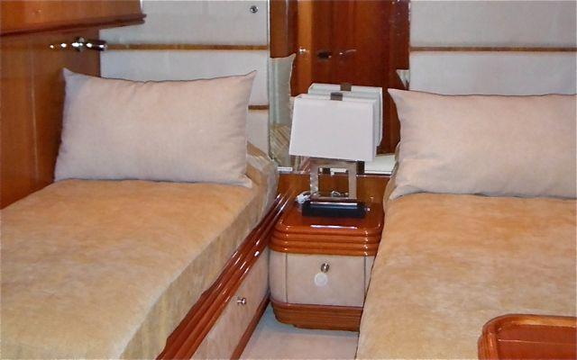 Y51302 Jr Cabin Pic 1.jpg