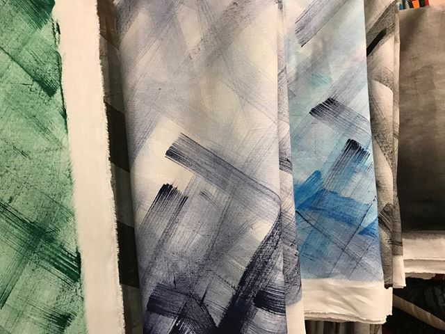 Bold Brush Strokes - Colors for all kinds of projects. Layer these gems within the color stories or add for a POP of Awesome! Interior Designers are a beacon guiding clients through millions of options. Layer in something so delicious and unique that your clients will be wowed by your selections. ⠀⠀⠀⠀⠀⠀⠀⠀⠀ ⠀⠀⠀⠀⠀⠀⠀⠀⠀ #hometextile #textiledesign #textiledesigner #dspattern #sodomino #surfacepattern #printandpattern #interiordesigning #decorhome #interiors4all #interiors123 #decorinspo #apartmenttherapy #abmathome #mydomaine #myhousebeautiful #homewithrue #decorinspiration #ihavethisthingwithtextiles #smallbatch⠀⠀⠀⠀⠀⠀⠀⠀⠀ #southerngrown #fabricmagic #motherofdragons #highpoint #highpointmarket