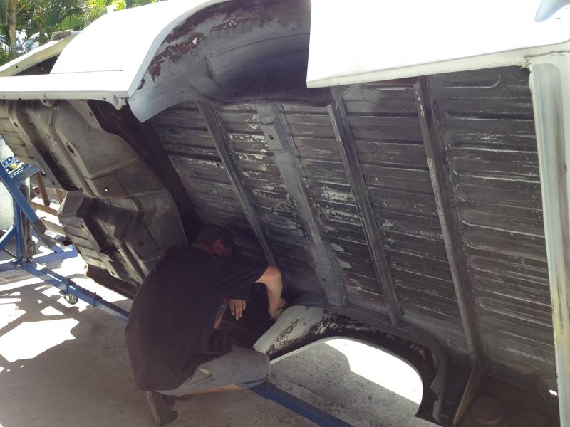76 HJ Holden Kingswood Sandman ol school garage 1 (32).jpg