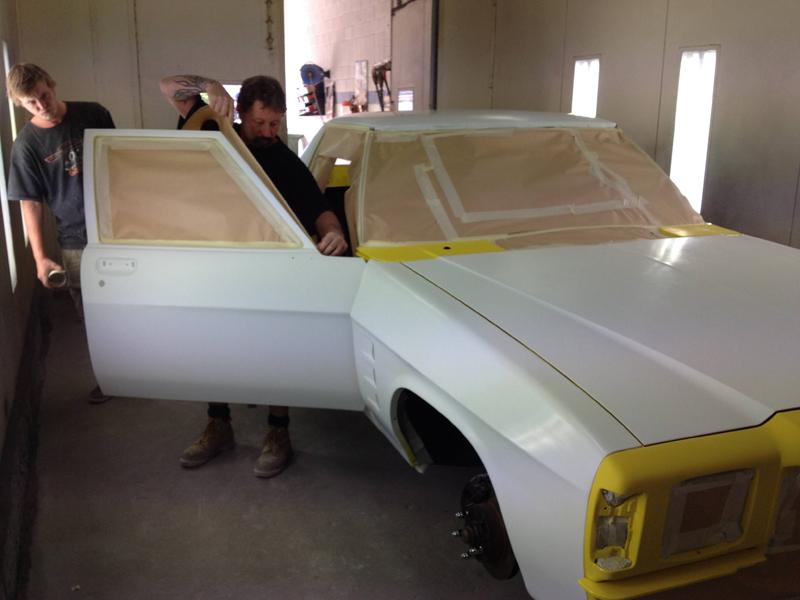 1976 HJ Holden Kingswood Sandman ol school garage restoration (13).jpg