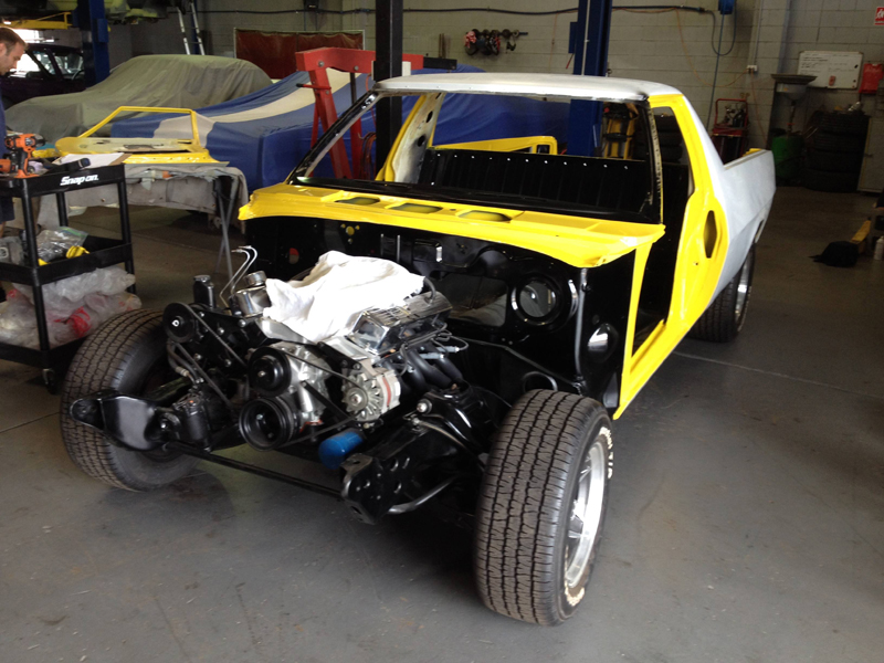 1976 HJ Holden Kingswood Sandman ol school garage fabrication (10).jpg