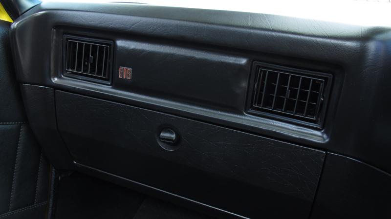 1976 Holden HJ Ute - Ol' School Garage (78).jpg