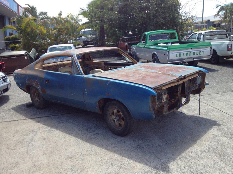 1971 VH RT Charger - Restoration - Ol' School Garage (3).jpg