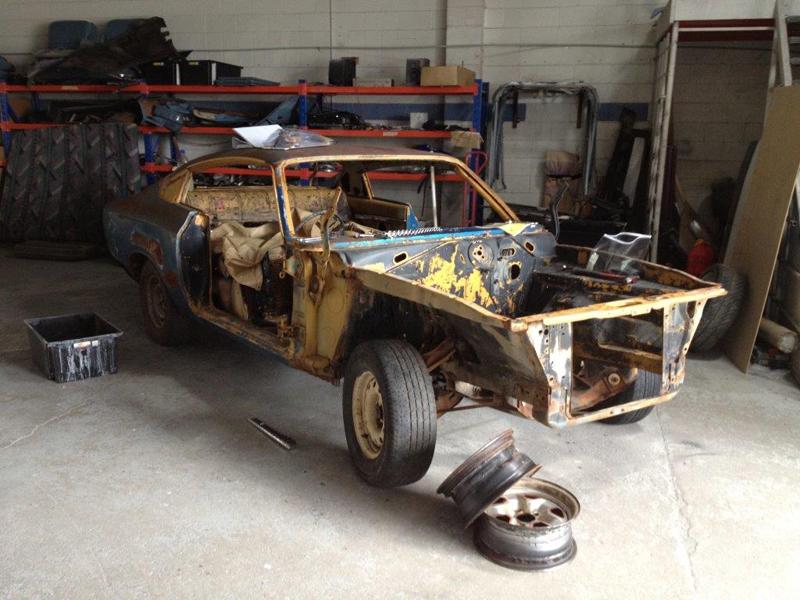 1971 VH RT Charger - Restoration - Ol' School Garage (2).jpg