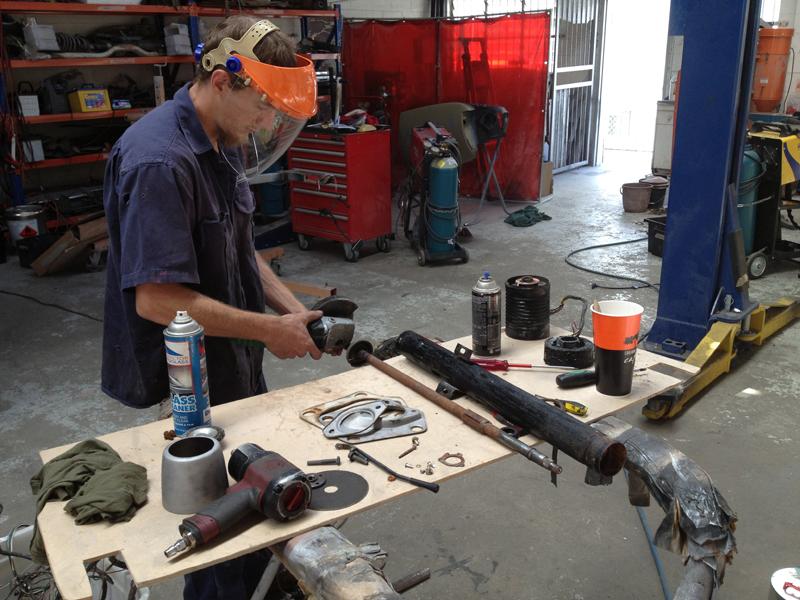 Charger RT VH Valiant - Restoration - Ol' School Garage (29).jpg