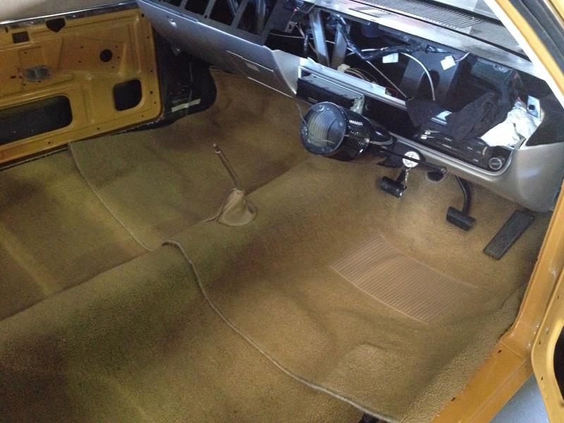 Charger RT VH Valiant - Restoration - Ol' School Garage (27).jpg