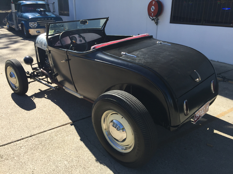 1928 Ford Roadster - Model A - Ol' School Garage (6).jpg