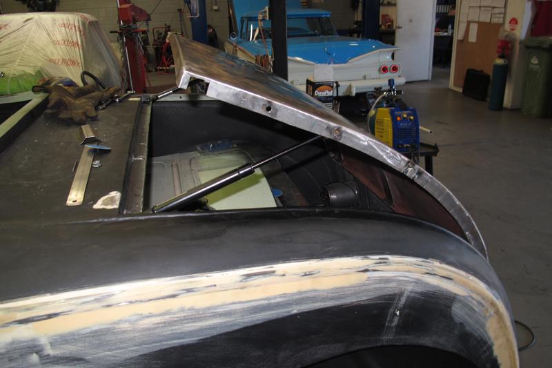 18-08-15 Ol' School Garage 1929 Ford Model A Roadster (86).jpg