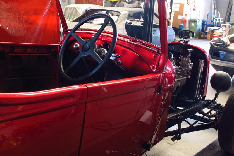 29 roadster hollywood hotrods (17).jpg