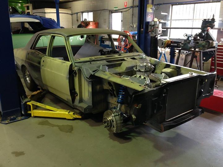 Jackie has fitted up the front end of the XY resto-mod project and the diff has been sent back to the supplier to get trimmed to length and new axles.