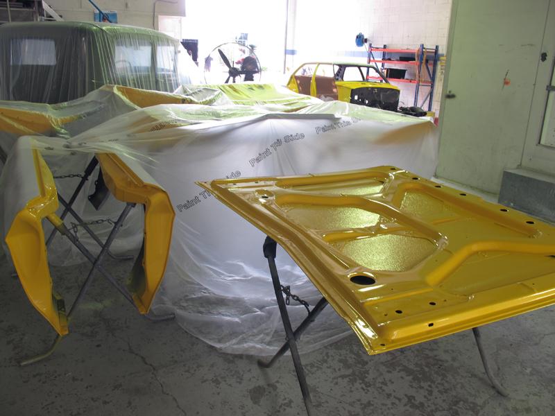 Holden HQ Chrome Yellow (9).jpg