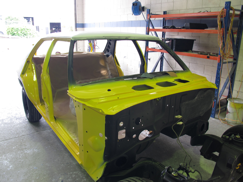 Holden HQ Chrome Yellow (12).jpg
