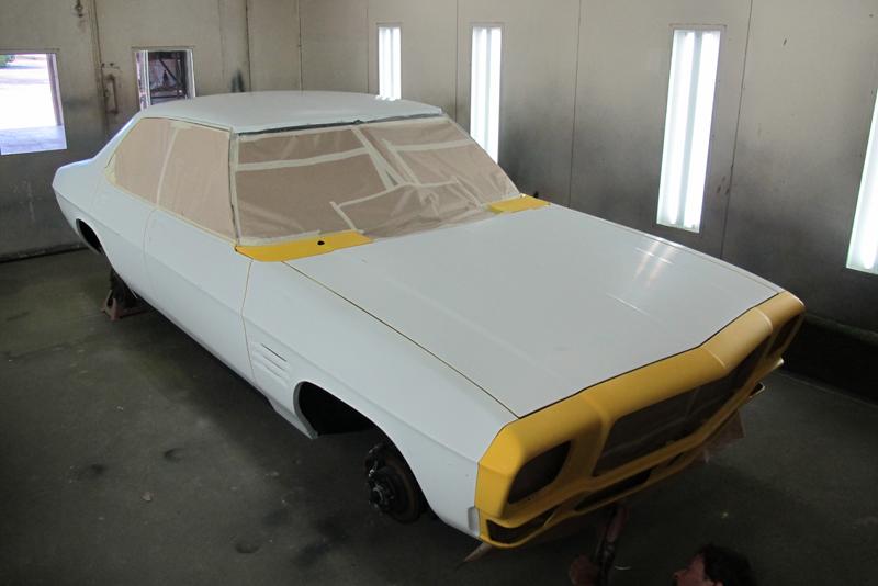 Chrome Yellow GTS HOlden HQ Sedan (38).jpg