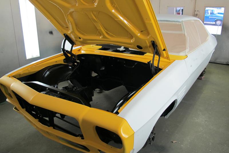 Chrome Yellow GTS HOlden HQ Sedan (5).jpg