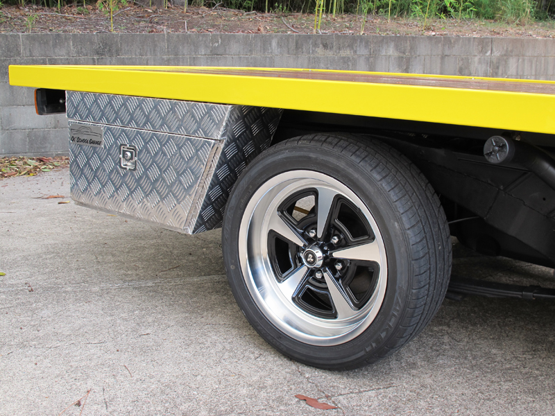 HJ Holden Ute - One Tonner Yellow (19).jpg