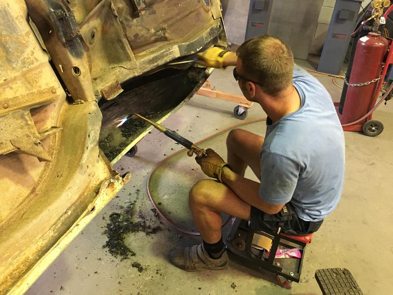 HQ Holden Restoration Rebuild Project (7).jpg