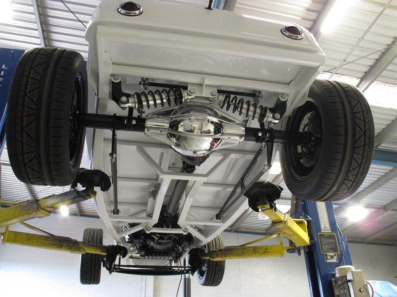 C&W Components '32 roadster body.JPG