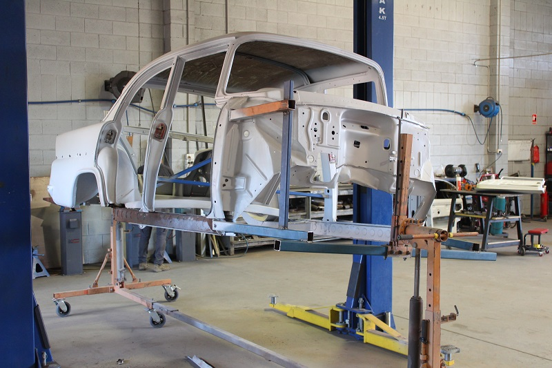 Custom EK sedan build - ol' school garage (25).JPG