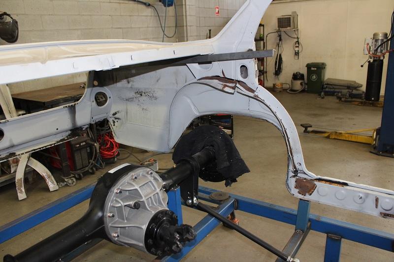 Ford 9 inch diff Holden EK (4).JPG