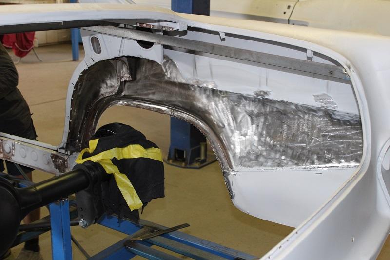 Ford 9 inch diff Holden EK (7).JPG