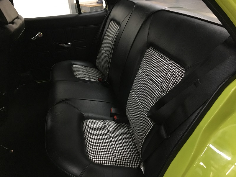 Holden HQ interior sedan (6).JPG