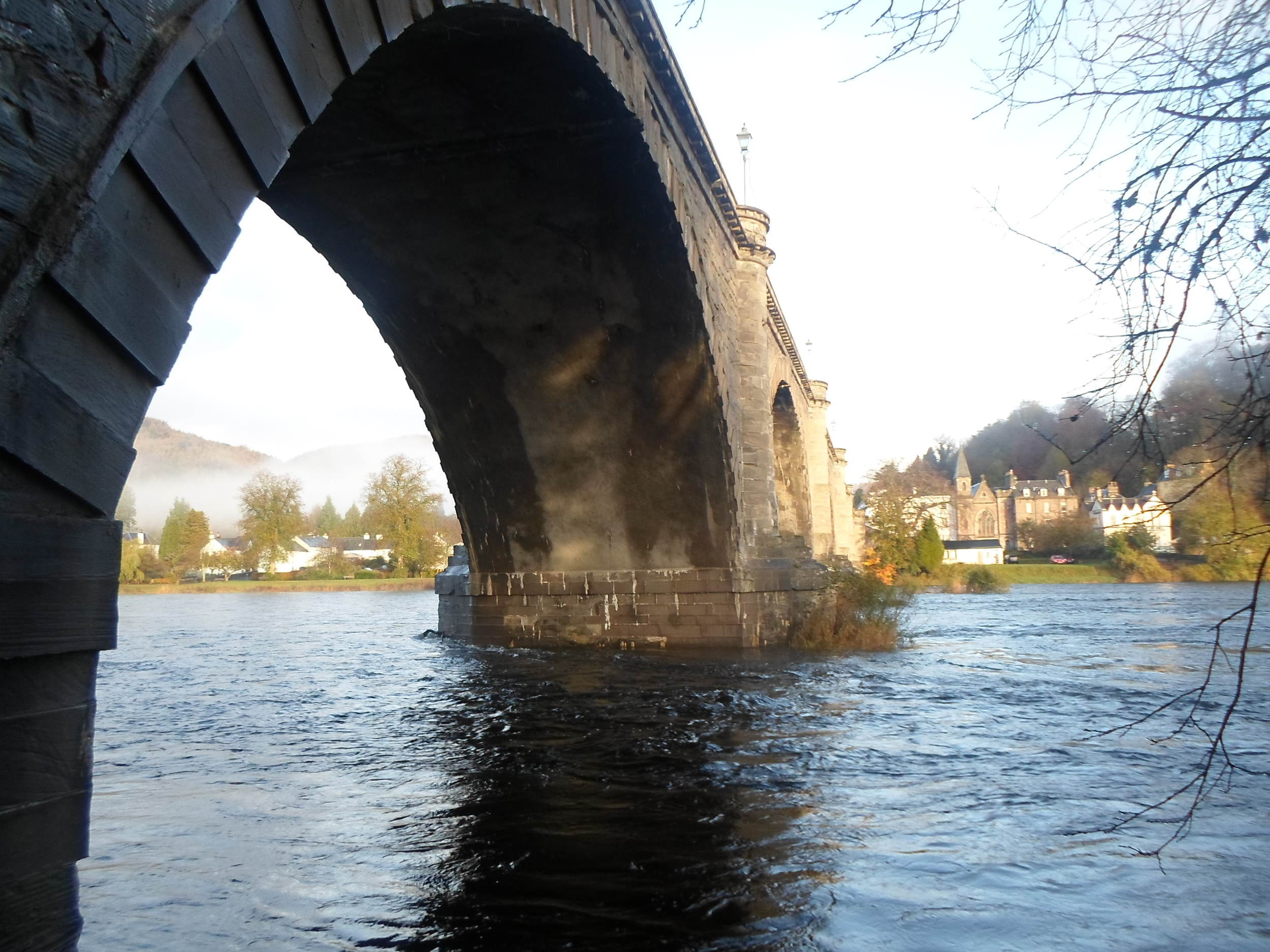 Dunkeld & Birnam Bridge.jpg