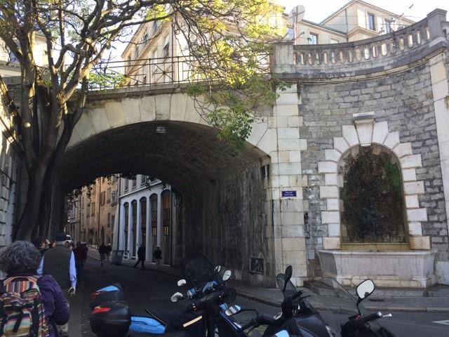 """""""Refugees' Gate"""" in Geneva"""