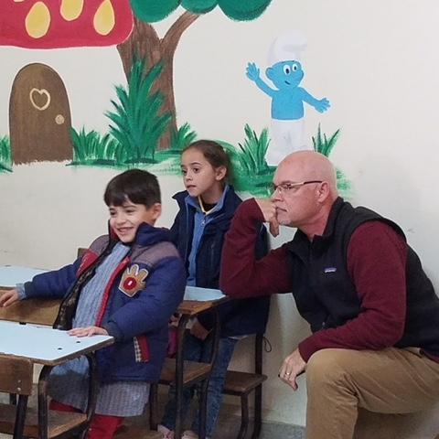 Rev. Marshall learns Arabic alongside children