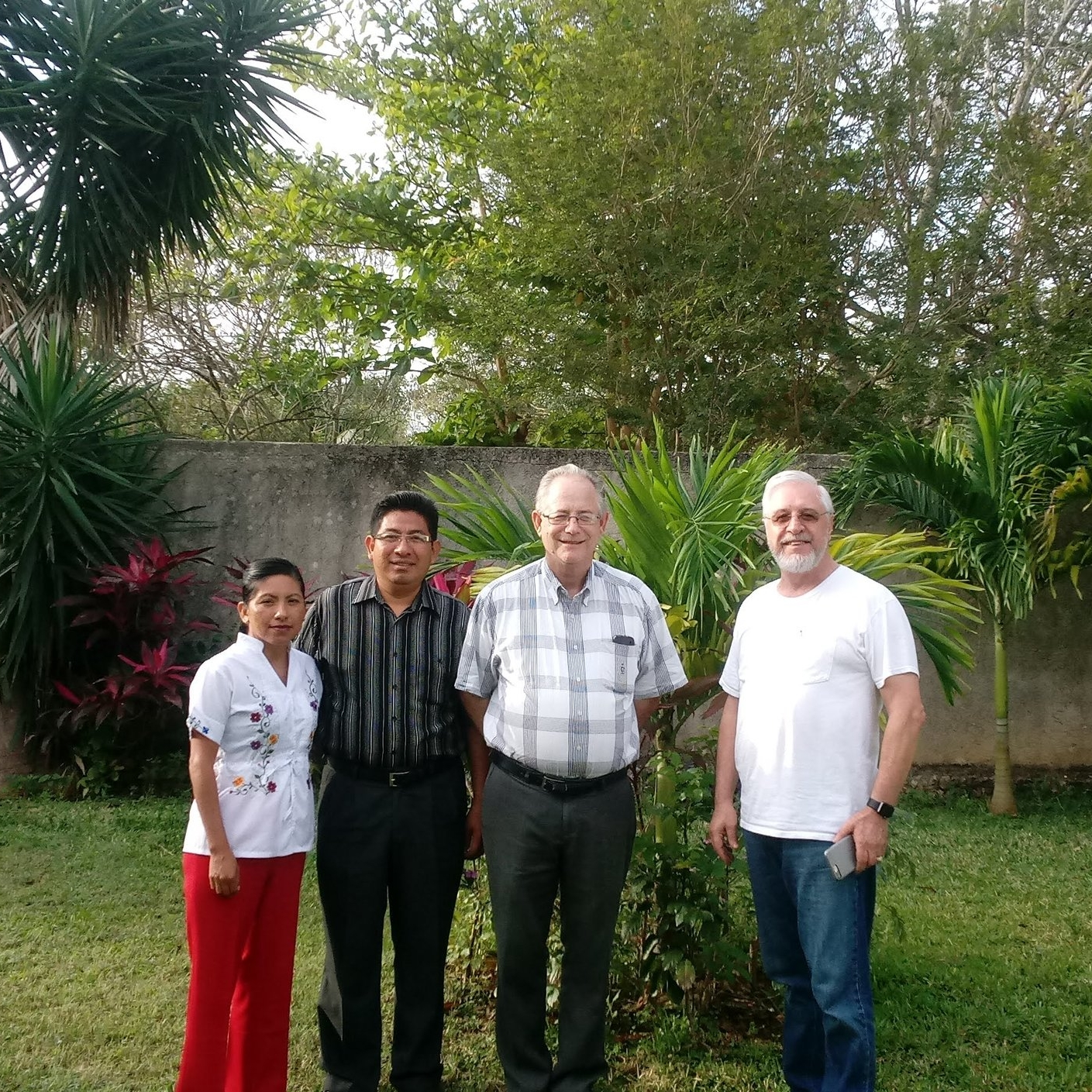 L-R: Maria Beh, Rev. Isaias Beh,  Dr. Don Wehmayer (The Antioch Partners) and Dr. José Carlos Pezini (The Outreach Foundation) discuss mentoring and spiritual formation among Latin Americans.