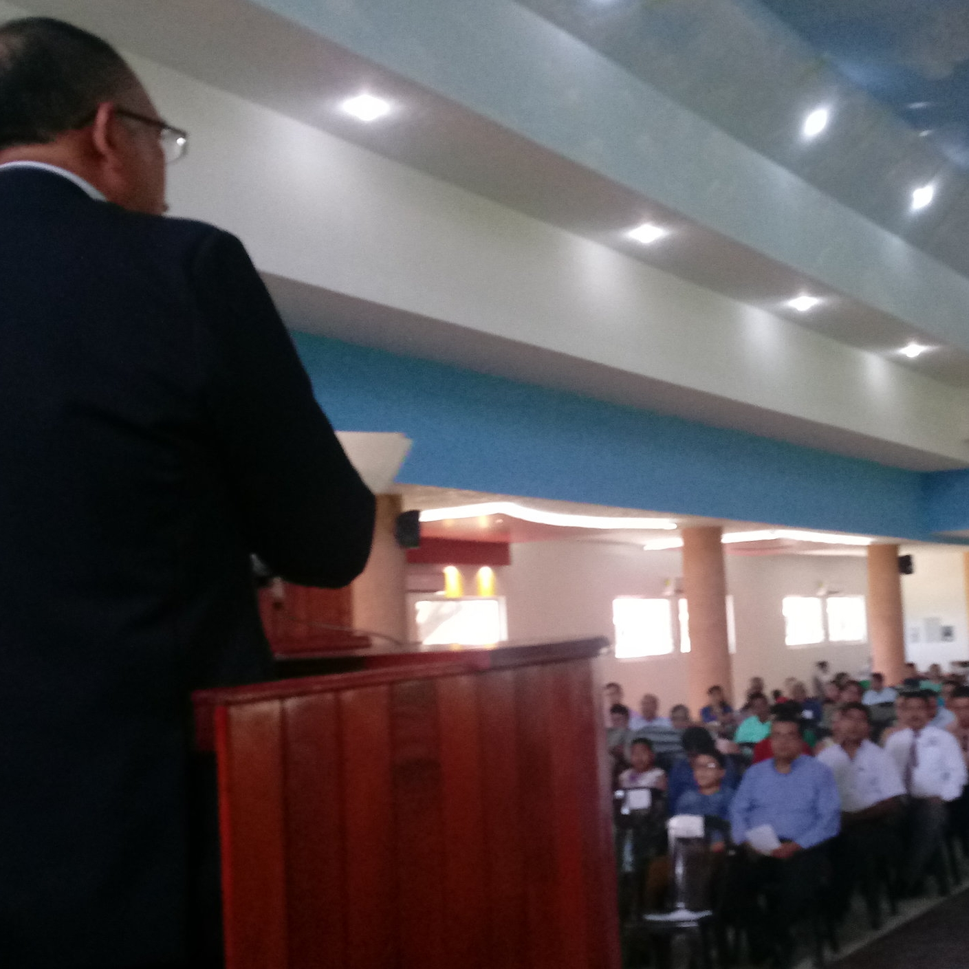 Around 600 people worshiped together in the service of thanksgiving for the remodeling of the chapel at the Sureste Seminary in Villahermosa, Tabasco