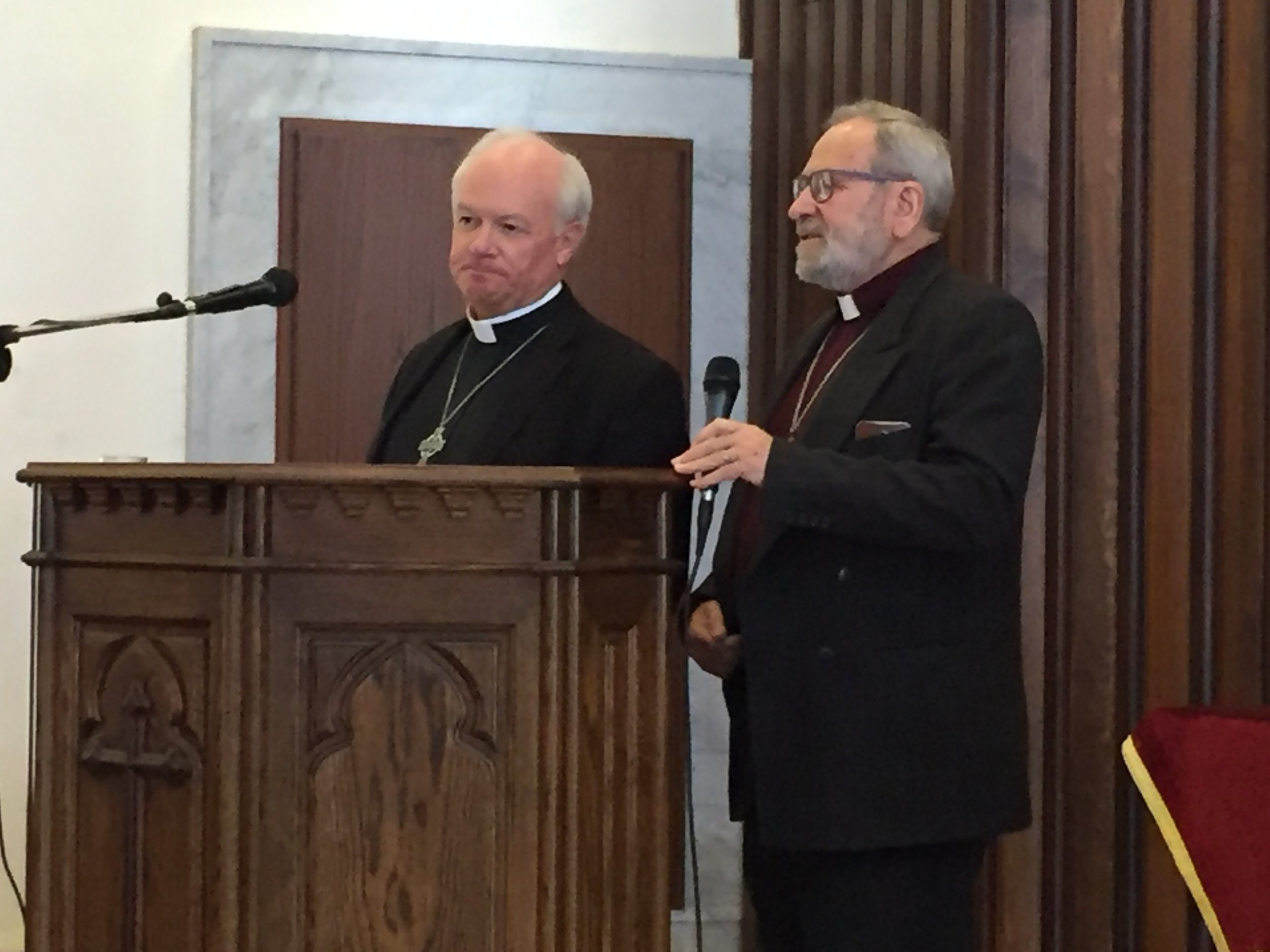 Rev. Jack Baca preaches in Homs church as Rev. Nuhad Tomeh translates