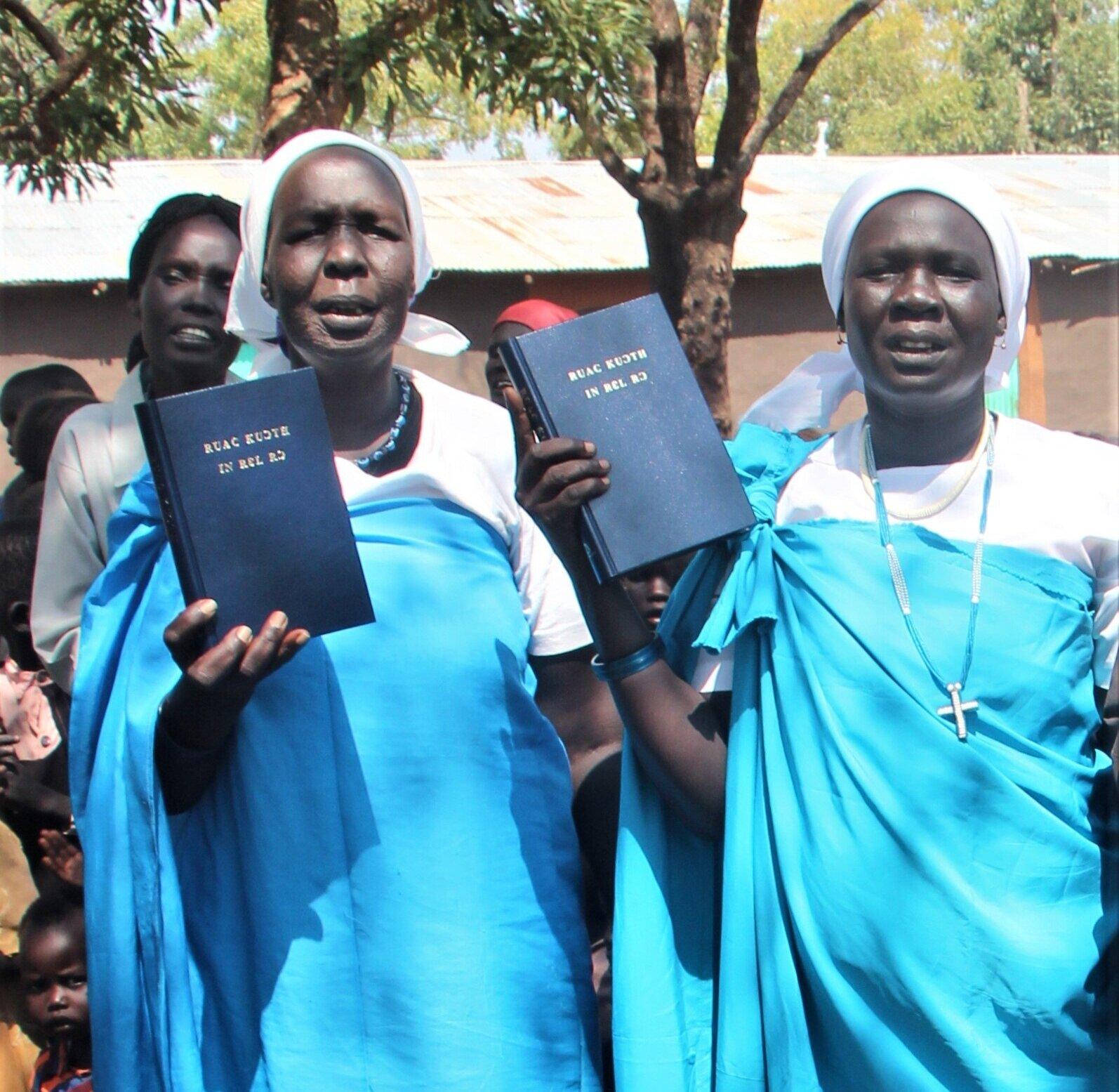 D+BIBLES+4.jpg