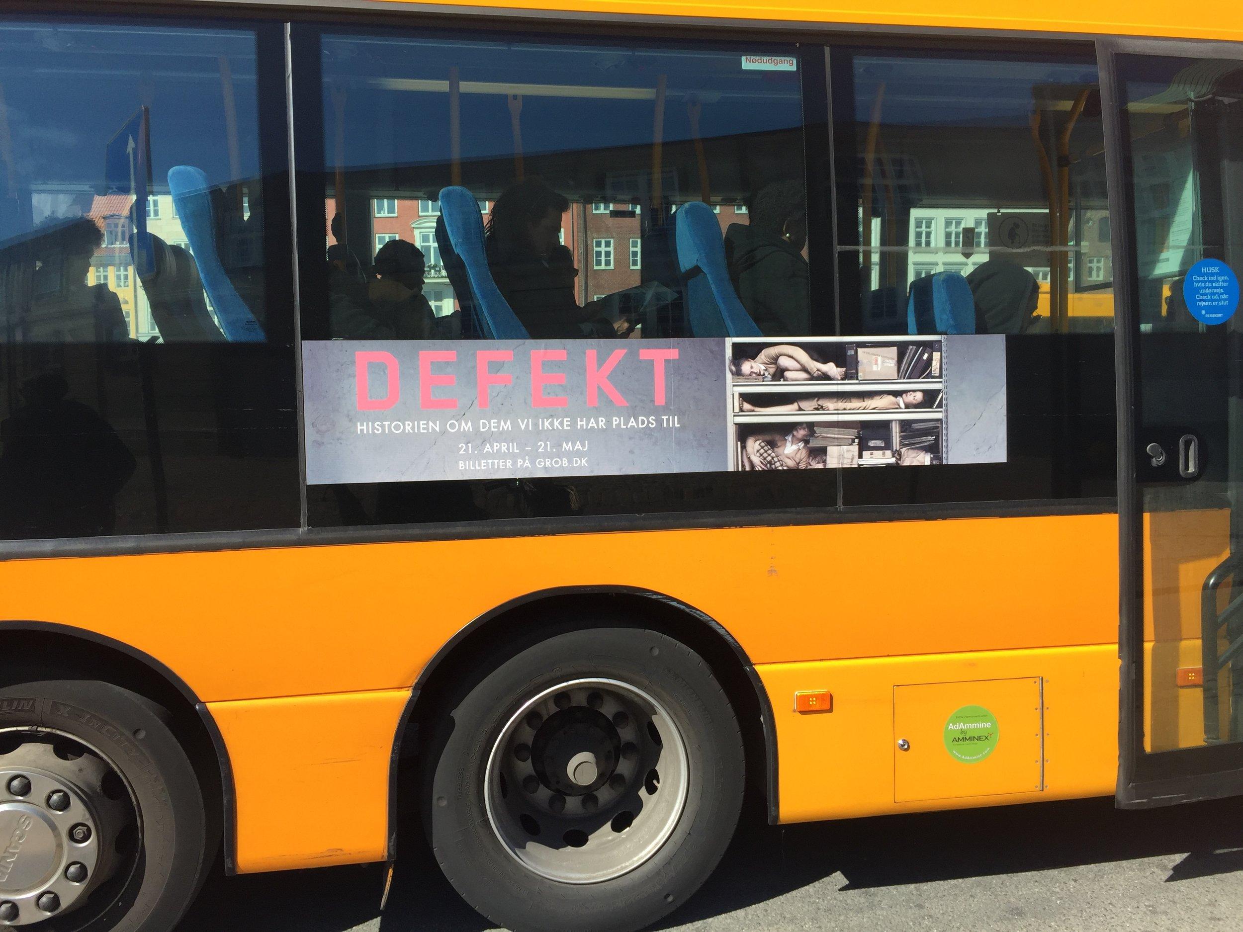 Busreklamer til Defekt. 2016