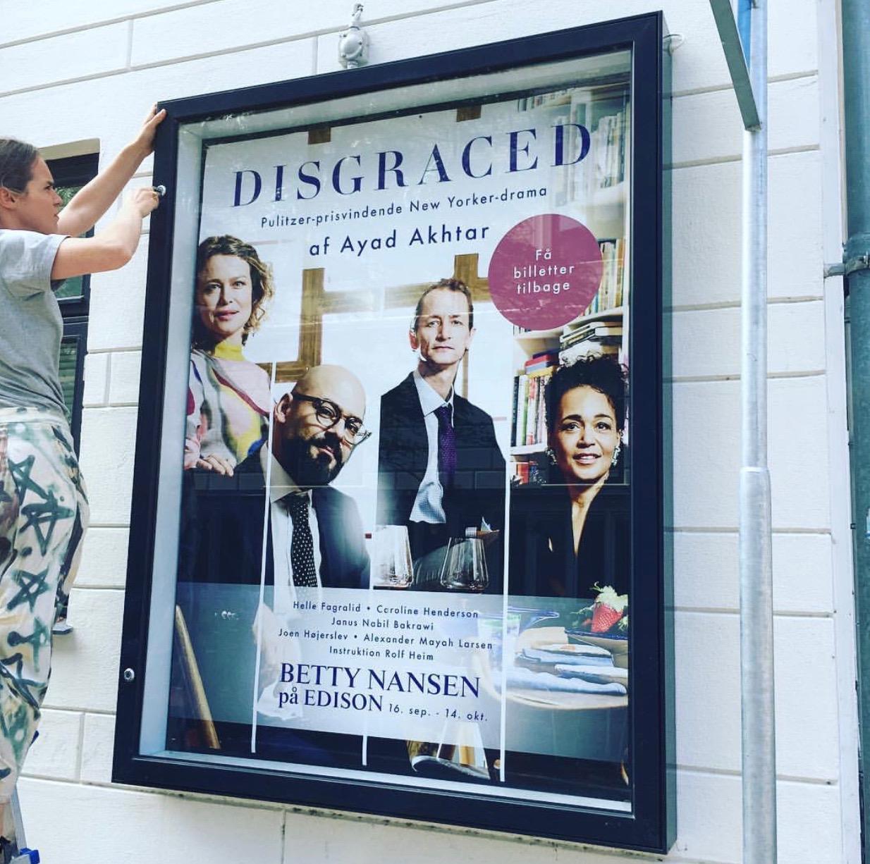 Montre plakat til Disgraced 2017