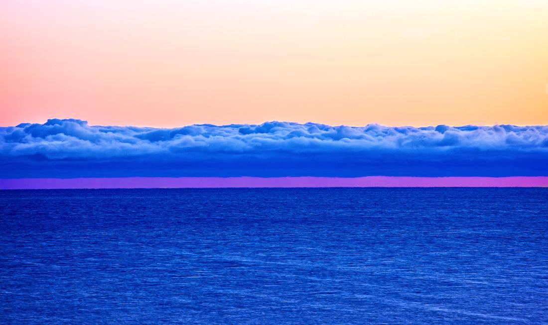 Stadig skiftende horisont.  Fra Mølen kan du betrakte været og havets stadige skifte av hvordan horisonten i Skagerrak opptrer.