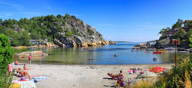 Svinevika - en litt gjemt strandperle. Klikk på bildet for å forstørre.