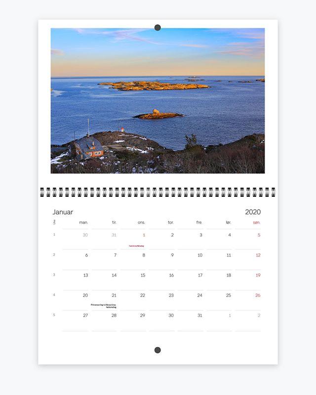 Ny Larvikkalender for 2020. Heng Larvikkysten på veggen med nydelig fotokollasje fra alle årets måneder. Flott kalender helt uten reklame og annonser. Se mer: www.oslofjordenbilder.no/shop #vestfold #kjerringvik #eftang #nrkvestfold #norge #norway #nature #landscape #naturephotography #picoftheday #Helgeroa #scandinavia #larvik #igers #tur #photooftheday #hiking #outdoors #friluftsliv #godmorgennorge #yrbilder #oslofjorden #nofilter #instagood #brunlanes #stavern #kalender #calendar #nature #nevlunghavn #mølen