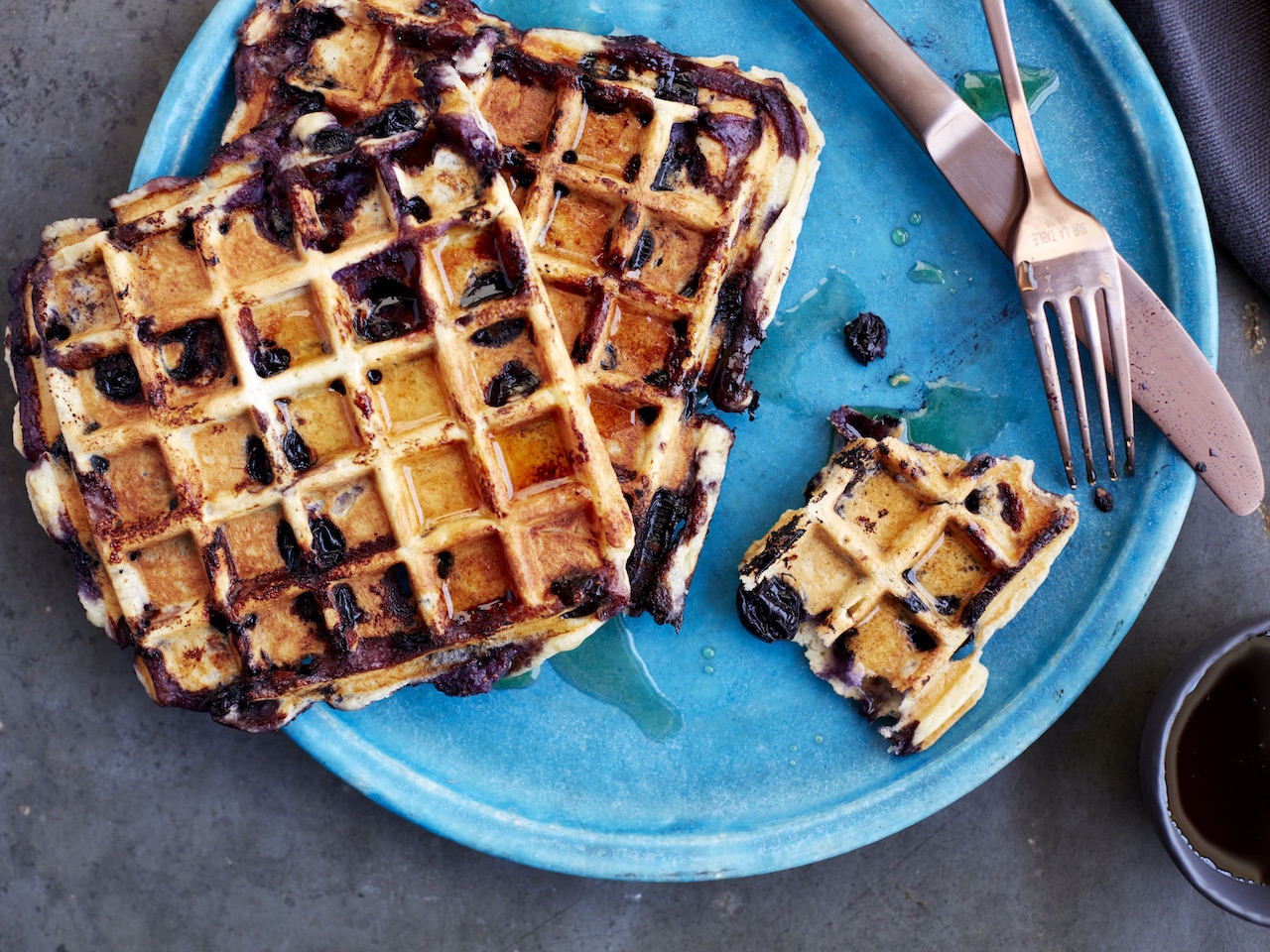 20160719_DrJulia_Blueberry-Waffles026 copy.jpg
