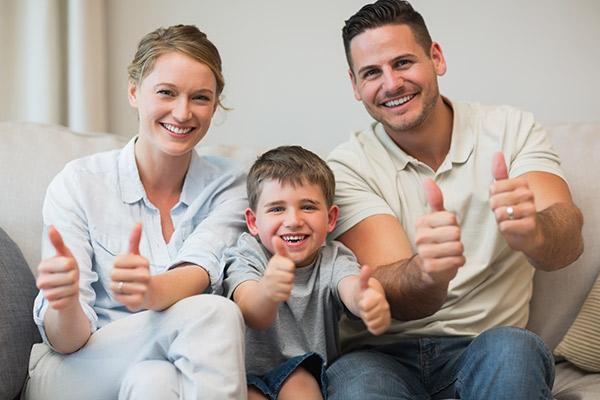 solar-power-brisbane-happy-family