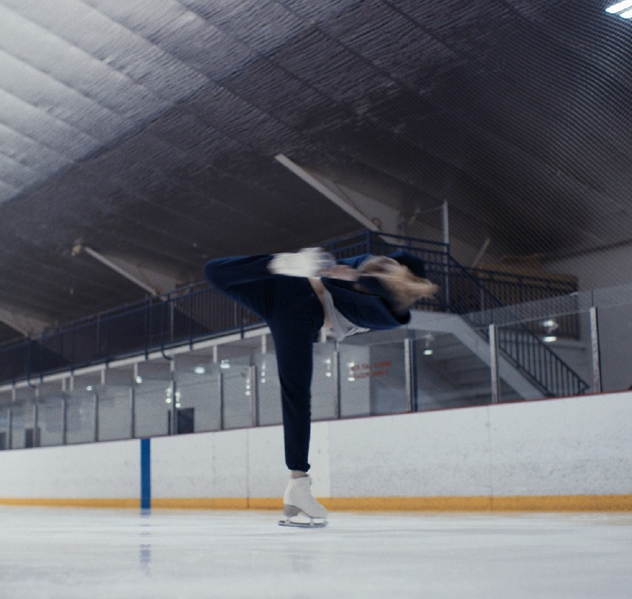 OUTDOOR VOICES - SKATING