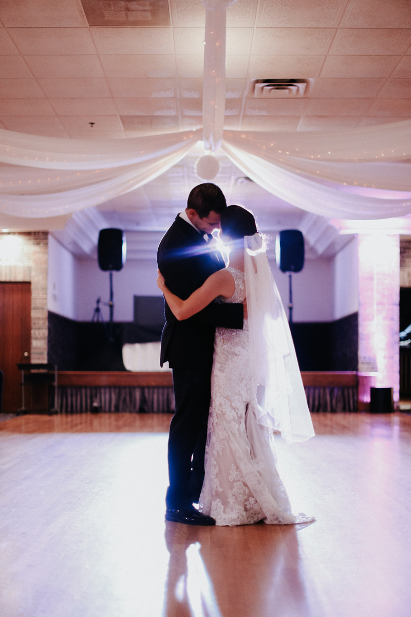 natalie-and-tim-wedding-day-dancing-08.jpg