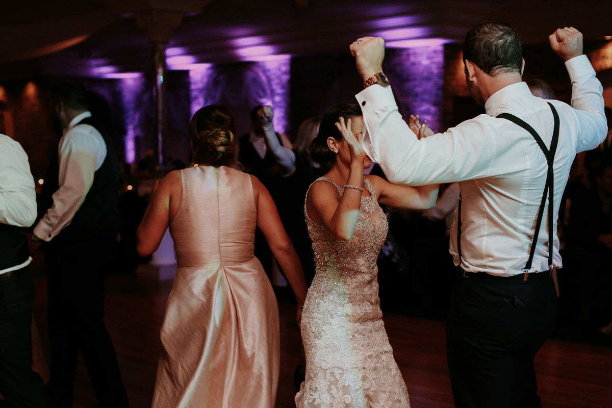 natalie-and-tim-wedding-day-dancing-100.jpg
