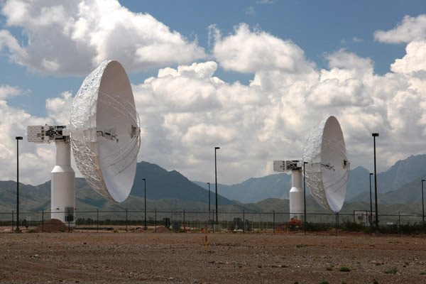 TDRS ground station: These dishes communicate with the TDRS satellites.