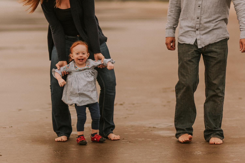 Nehalem Bay State Park family session Oregon photographer (17).jpg
