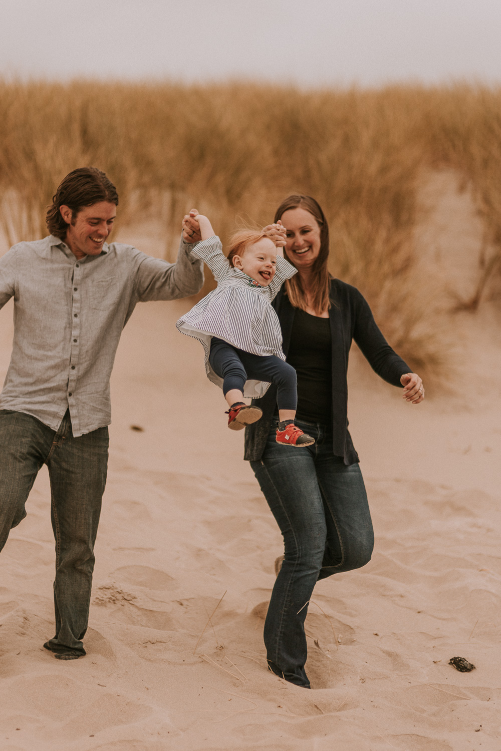 Nehalem Bay State Park family session Oregon photographer (39).jpg
